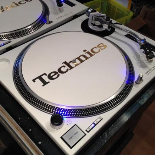Technics 1210 All White on the Night with 12 months warranty