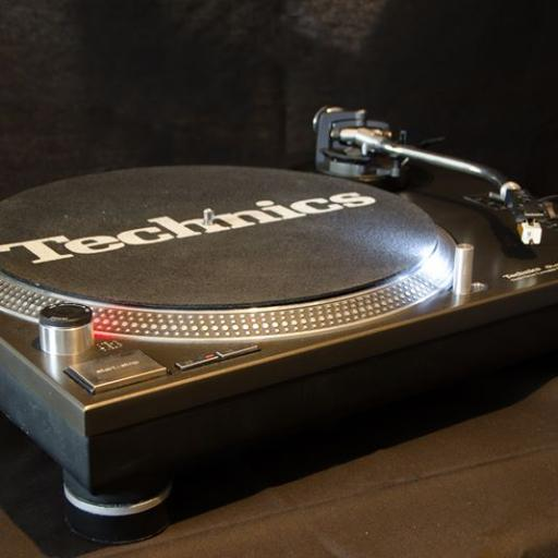 Technics 1210 mk2 excellent condition with ice white conversion, cart and stylus and 12 month warranty