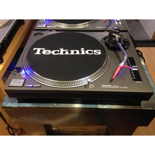 Technics 1210 mk2 in good condition with 12 month warranty with Ortofon cart and styles